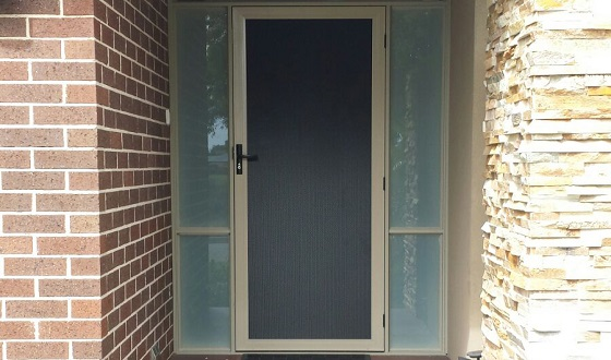 Have You Considered Aluminium for The Perfect Door of Your Home?